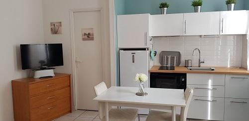 robot m nager. Black Bedroom Furniture Sets. Home Design Ideas